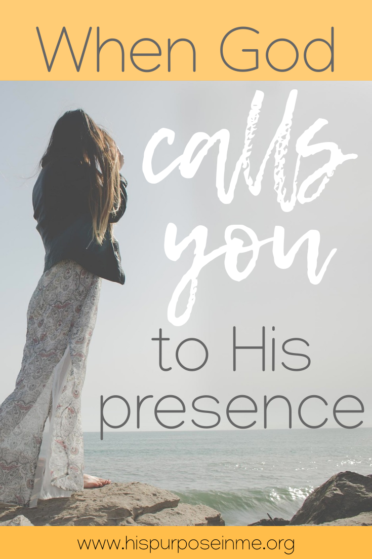 Have you ever felt how God calls you to be in His presence? That moment when you have to let everything you are doing and run to God? The presence of God is with those who calls upon Him, with those who seek Him. His presence is in us, with us and around us. But, there are moments that He only wants from us to give all the attention to Him. That is when God calls you to His presence.